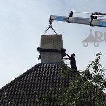16 overzet Schoorsteen  aluminium gemonteerd i.v.m lekage stenen schoorsteen  ,Rijpma siersmederij