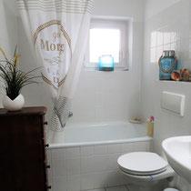 Anders als ein Hotel und mehr als nur ein Messezimmer - Badezimmer eines privaten Messeapartments über 4yourfairs