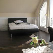 Wohnbeispiel Schlafzimmer eines privaten Messehauses zur Ligna über 4yourfairs