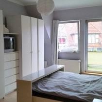 Wohnbeispiel Schlafzimmer eines privaten Messeapartments zur Ligna über 4yourfairs