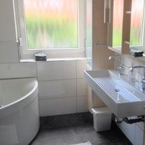 Wohnbeispiel Badezimmer eines privaten Messeapartments zur Ligna über 4yourfairs