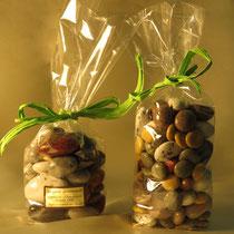 Les cailloux du gardon fourrés chocolat, pâte de fruits, amandes, abricot