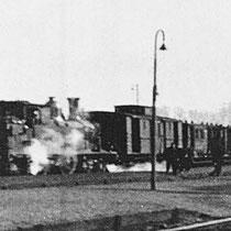 Een speciale trein bracht de mijnwerkers naar, de Emma en Hendrik....