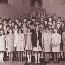 6e klas St Agnesschool 1965 - 1966   In de St Bavokerk met pasen 1966   Annie Beijnsberger, Anita Bertrand, Han Bertrand, José Bertrand, Paula Bertrand, Rosé Bertrand,  Nini Boesten, Yvonne Broeders, Angele Brouns, Mia Brouns, Paula Buijsers