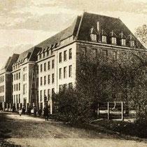 ....en omdat ook veel mijnwerkers korter bij de mijn zijn gaan wonen, telde het gezellenhuis nog maar 14 bewoners