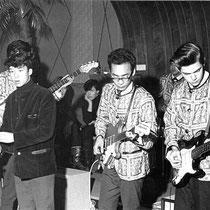 Ook Ricky Rendal verzorgde vaak de muziek bij Driessen, met Rechts Frans Banen uit Nuth en zanger Lou Lou Willé (later Pussy Cat)