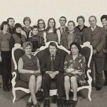 """de toneelvereniging is ontstaan uit de """"Bulscherclub""""  Het laatste """"Bulscherfeest""""in Grijzegrubben was in 1952. Op het laatste """"Bulscherfeest"""" werd de toneelvereniging opgericht."""