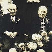 De Heer en mevrouw Salden, in Terstraten tijdens hun 50jarig huwelijksfeest