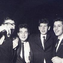 v.l.n.r.  Jan Verbruggen, Wim Pasveer, Piet Knubben en Wiel Derks, Bij Dancing Driessen  Met Dank aan Wiel Derks