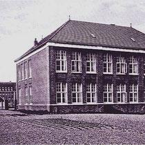 """Op de zolderverdieping van de """"meisjesschool"""" had de verkenners groep""""Sint Hubertus"""" zijn HK"""