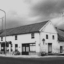 "het café van Martin Royen was het stamlokaal van spaarclub '' 't Kruukske"""