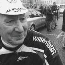 'Jantje' , zoals hij in de wielerwereld door iederen genoemd werd, heeft in de jaren 40, 50 en 60 gekoerst. Bij de amateurs, hij is nooit professional geweest.