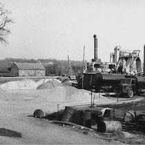 ENSINK asfaltmolen aangedreven door stoom en een capaciteit van 15 ton/uur.