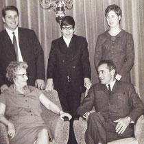 Vader en moeder Derks met hun kinderen.  v.l.n.r Wiel, Jan en Mia  Met Dank aan Wiel Derks