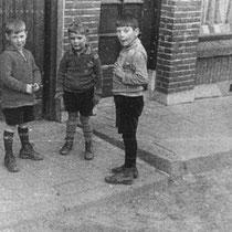 kinderen voor warenhuis Maes