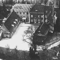Huize 'De Dael' is gelegen ten oosten van het dorp Nuth,  in het dal van de Platsbeek, een zijbeek van de Geleenbeek