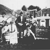 """Er waren meer bandjes in Nuth zoals hier, """"The Gold Boys"""" uit de Nuinhofwijk (De Baan)"""