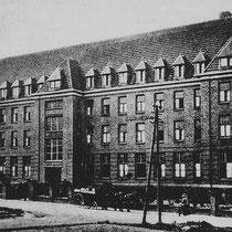 Het Provincialaat en noviciaat waren reeds in 1959 verhuisd naar Baak, en de zusters verhuisden in 1973 naar De Ping 36 te Nuth