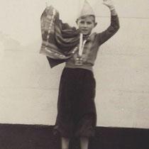 "Prins Nico (Sormani) van vriendenclub ""De Helpers"" in Terziepe 1958"