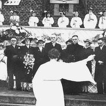 Processie t.g.v. bezoek Bisschop Lemmens in 1936