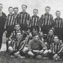 V.V.C. kende een toeloop van spelers en nestelde zich in het eerste elftal tot ongenoegen van 'de eigen' spelers van Vaesrade en Kathagen.  Die vonden zichzelf vaak terug in het tweede.  Nuther mensen beheersten de club
