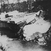 De brug over de Geleenbeek bij de Kathager molen, werd door de Duitsers opgeblazen, om de opmars van de bevrijdingstroepen te vertragen.