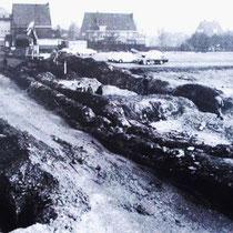 Met de afbraak werd ook dit stuk, van de Stationstraat onder handen genomen o.a. rioolwerkzaamheden