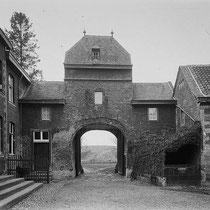 De familie Strens was in de 15e eeuw vanuit het Spaans Andalusie, naar de Nederlanden gekomen.