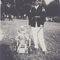 Piet Kersten met zoon Jan, op de feest/schietweide op de Keelkamp