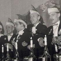 Na de voorbereidingsfase werd Lei Lemmens president  Er ontstonden carnavals groepen zoals de zanggroep De Ritmitons (zusters Ritzen), de parodiegroep de Hollikidee Boys en Sjeng Lindelauf was de vaste buutreedner