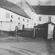 In de franse tijd 1794 wordt de Nuinhof in het openbaar verkocht en de opbrengst gaat naar de Franse schatkist. Door de aanleg van de spoorlijn van Sittard naar Heerlen raakt de boerderij veel grond kwijt, en dit is het begin van haar verval.