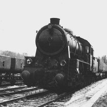 """Door de invoering in 1934 van de """" Westinghouse rem"""" op de kolentreinen, waar vanuit de locomotief geremd wordt met een automatische luchtdrukrem, hebben remmers geen werk meer."""