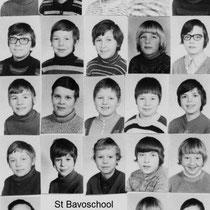 Klassenfoto 6e klas 1971 - 1972  Met meester Bruls l.o. met o.a.  Andre Brouwers, Karel Crombagh, Frank Drummen, Paul Frissen Toine van Ham, Leon Herveille, Jac Hoevers, leon Jacobs, Keulen, Hein Martens  Huub Meijers, Huub Ploem, Harrie Ramakers,