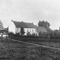 De pachthoeve behoorde in 1380 toe aan Johan van Printhagen uit Sint Jans Geleen, maar zijn zoon Walram verkoopt de boerderij aan het kapittel van de O.L.V. kerk van Aken De boeren moesten ééntiende van hun oogst in natura afleveren in de z.g. tiendschuur