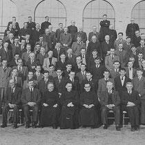 Leden van de Katholieke Mijnwerkersbond, uit Nuth op retraite in Spaubeek