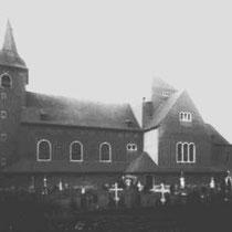 Het kerkhof voor de verbreding van de Raadhuisstraat