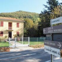 il sentiero è sulla destra della casa museo di Giorgio Morandi