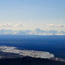 Auf dem Weg nach Alaska - Kurz vor der Landung in Eielson AFB - die Berge im Süden