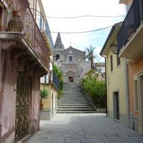 """....die Kirche in der die Hochzeit des Films """"Der Pate"""" gedreht wurde...in einem Dorf bei Taormina."""