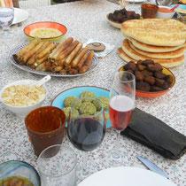 Filoteigzigarren, Falafel, diverses Sauce und vieles mehr für den Jubiläumsabend