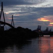 Köhlbrandbrücke   -   Foto:   Gesine Schwerdtfeger
