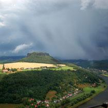 2014-07-14 Gewitterwolke-Elbsandsteingebirge  -  Foto: Jörg Recoschewitz