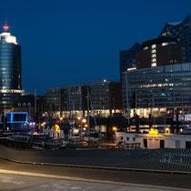 Der menschenleere Hafen - Foto: Romana Thurz