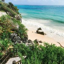 Hier geht es hinab zum Strand der Ruinen von Tulum