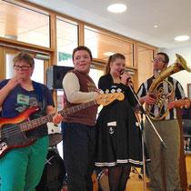 die integrative Band bei der Eröffnungsfeier der Karl-Rolfus-Schule