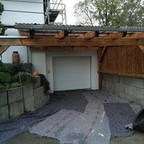 Carport vor der Renovierung.