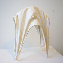 White Gravity Form (4 legs), stoneware, white porcelain and terra sigillata / 9x18x30(high)cm