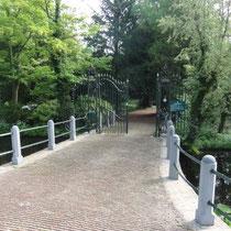 Der Eingang zum Botanischen Garten