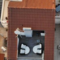 Die schöne, grosse Dachterrase