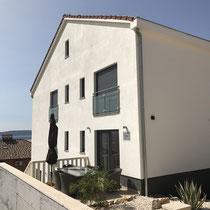 Seitenansicht mit Terrasse der Wohnung Elsa 2